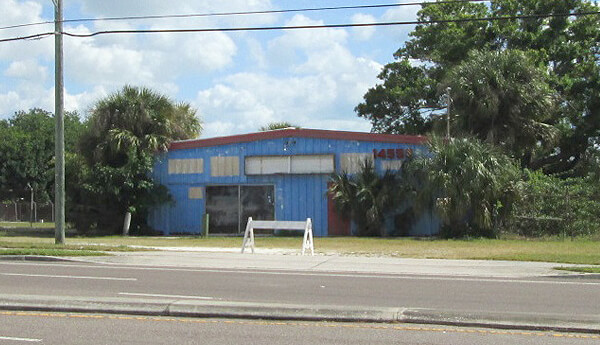 COMMERCIAL LOT FOR SALE IN LARGO FLORDIA